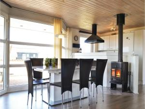 Four-Bedroom Holiday Home in Hvide Sande, Nyaralók  Hvide Sande - big - 19