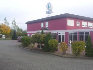 Hotel-Restaurant Zur Fichtenbreite, Hotely  Coswig - big - 1