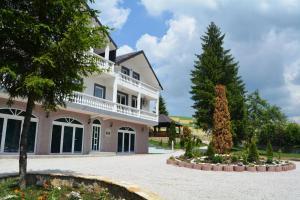 Rakovica Resort
