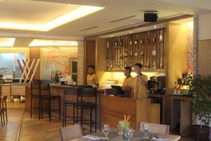 Dr Calayans' Luxury 2BR Condo @ Pico de Loro, Nasugbu, Ferienwohnungen  Nasugbu - big - 66