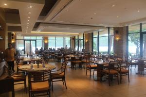 Dr Calayans' Luxury 2BR Condo @ Pico de Loro, Nasugbu, Ferienwohnungen  Nasugbu - big - 67