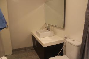 Dr Calayans' Luxury 2BR Condo @ Pico de Loro, Nasugbu, Ferienwohnungen  Nasugbu - big - 75