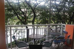 Dr Calayans' Luxury 2BR Condo @ Pico de Loro, Nasugbu, Ferienwohnungen  Nasugbu - big - 79