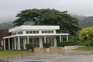 Dr Calayans' Luxury 2BR Condo @ Pico de Loro, Nasugbu, Ferienwohnungen  Nasugbu - big - 94
