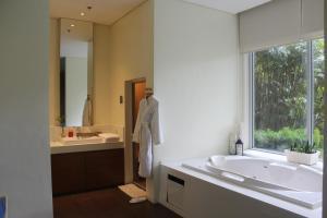 Dr Calayans' Luxury 2BR Condo @ Pico de Loro, Nasugbu, Ferienwohnungen  Nasugbu - big - 116