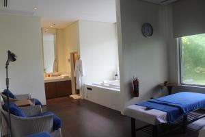 Dr Calayans' Luxury 2BR Condo @ Pico de Loro, Nasugbu, Ferienwohnungen  Nasugbu - big - 117