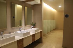 Dr Calayans' Luxury 2BR Condo @ Pico de Loro, Nasugbu, Ferienwohnungen  Nasugbu - big - 126