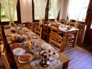 Guesthouse Green Valley, Penzióny  Jezerce - big - 77