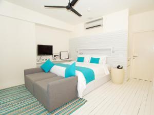 Holiday Inn Resort Kandooma Maldives, Resort  Guraidhoo - big - 4