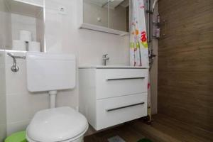 Apartment Culan, Apartments  Sobra - big - 12
