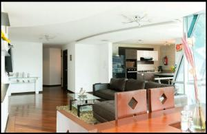 3BR*ALL IN ONE*LUXURY*LOCATION, Ferienwohnungen  Quito - big - 11