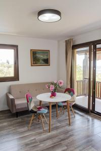 Sunset Holiday Home, Nyaralók  Tivat - big - 13