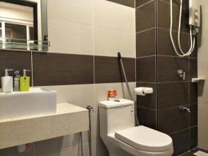 M Condominium @ Larkin: Cosy City Center Staycation - Kangkar Teberau