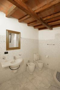 Palazzo Centro, Отели типа «постель и завтрак»  Ницца-Монферрато - big - 21