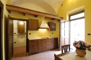 Palazzo Centro, Отели типа «постель и завтрак»  Ницца-Монферрато - big - 27