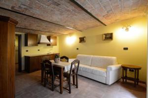 Palazzo Centro, Отели типа «постель и завтрак»  Ницца-Монферрато - big - 29