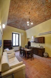 Palazzo Centro, Отели типа «постель и завтрак»  Ницца-Монферрато - big - 61