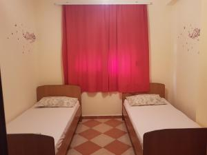 Mario's place in Durres, Apartments  Durrës - big - 5
