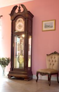 Grove House Bed & Breakfast, Bed and Breakfasts  Carlingford - big - 37
