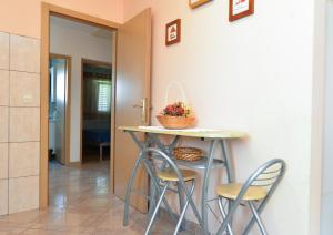 Apartments Milena 436, Apartmány  Fažana - big - 49