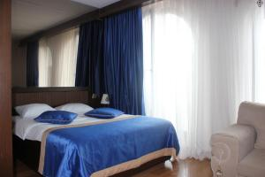 OTTOMAN BY ONAS SUITES