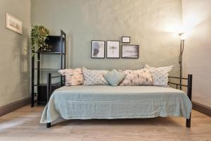Duomo & Palazzo Reale Charming Apartment - AbcAlberghi.com