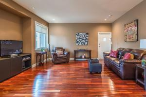 Luxury Penthouse Downtown Nanaimo, Apartmanok  Nanaimo - big - 18