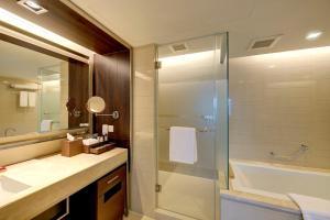 ExecuPlus Suite - Twin Beds