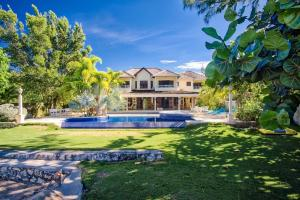 Villa Cove - Runaway Bay