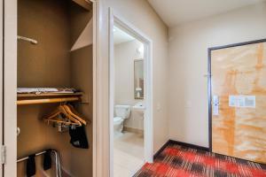 Четырехместный номер с ванной - Для гостей с ограниченными физическими возможностями