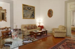 Palazzo Magnani Feroni (1 of 82)