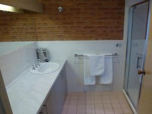 Colonial Motor Inn Bairnsdale, Motels  Bairnsdale - big - 11