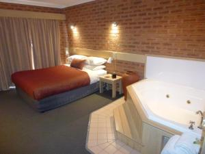 Colonial Motor Inn Bairnsdale, Motels  Bairnsdale - big - 13