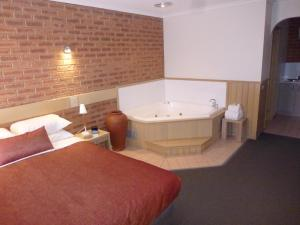 Colonial Motor Inn Bairnsdale, Motels  Bairnsdale - big - 16
