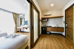 Casa Bella Phuket, Отели  Чалонг - big - 70