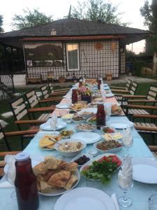 Lazuri Keria Family Guesthouse, Penziony  Khoni - big - 66