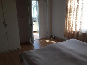 Lazuri Keria Family Guesthouse, Pensionen  Khoni - big - 8