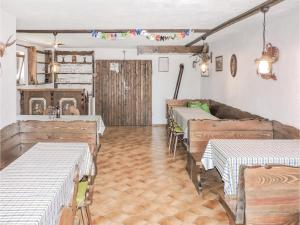 One-Bedroom Holiday Home in Deutsch Schutzen, Case vacanze  Deutschschützen - big - 8