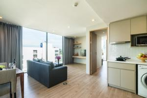 One Bedroom Panorama Suite