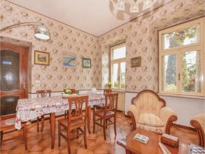 Villa Paolina, Prázdninové domy  Gardone Riviera - big - 9