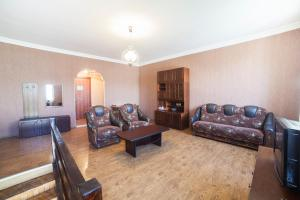 Guest House sweet home, Penzióny  Gori - big - 55