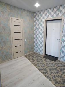 kvartira ul.pushkina 124b, Apartmány  Volzhskiy - big - 1
