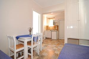 Byron Apartments, Apartmanok  Tingáki - big - 83