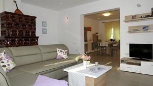 Ane Apartment