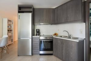 Khouses II, Appartamenti  Città di Lefkada - big - 19