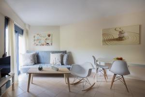 Khouses II, Appartamenti  Città di Lefkada - big - 20