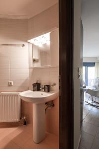 Khouses II, Appartamenti  Città di Lefkada - big - 15