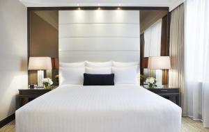 Deluxe Guest Room with a King or Two Single Beds
