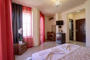 Family Hotel Allegra, Hotely  Obzor - big - 10