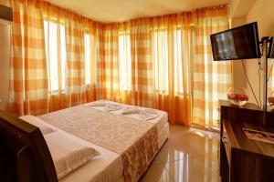 Family Hotel Allegra, Hotely  Obzor - big - 11